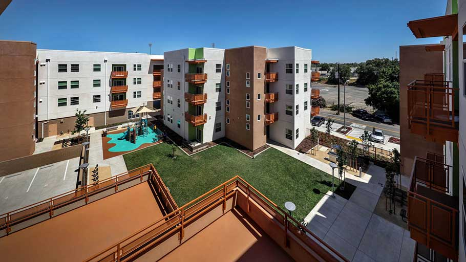 Jamboree's affordable housing West Gateway Place central courtyard.
