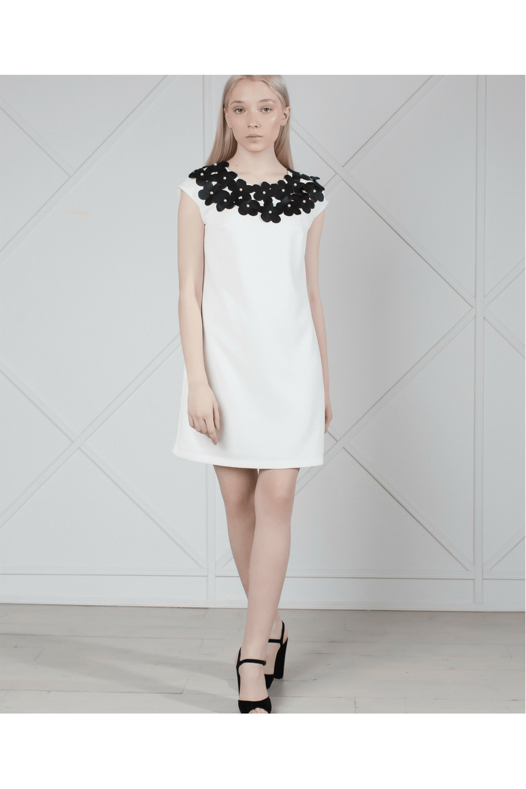 White mini dress with flower appliques - Himelhoch's