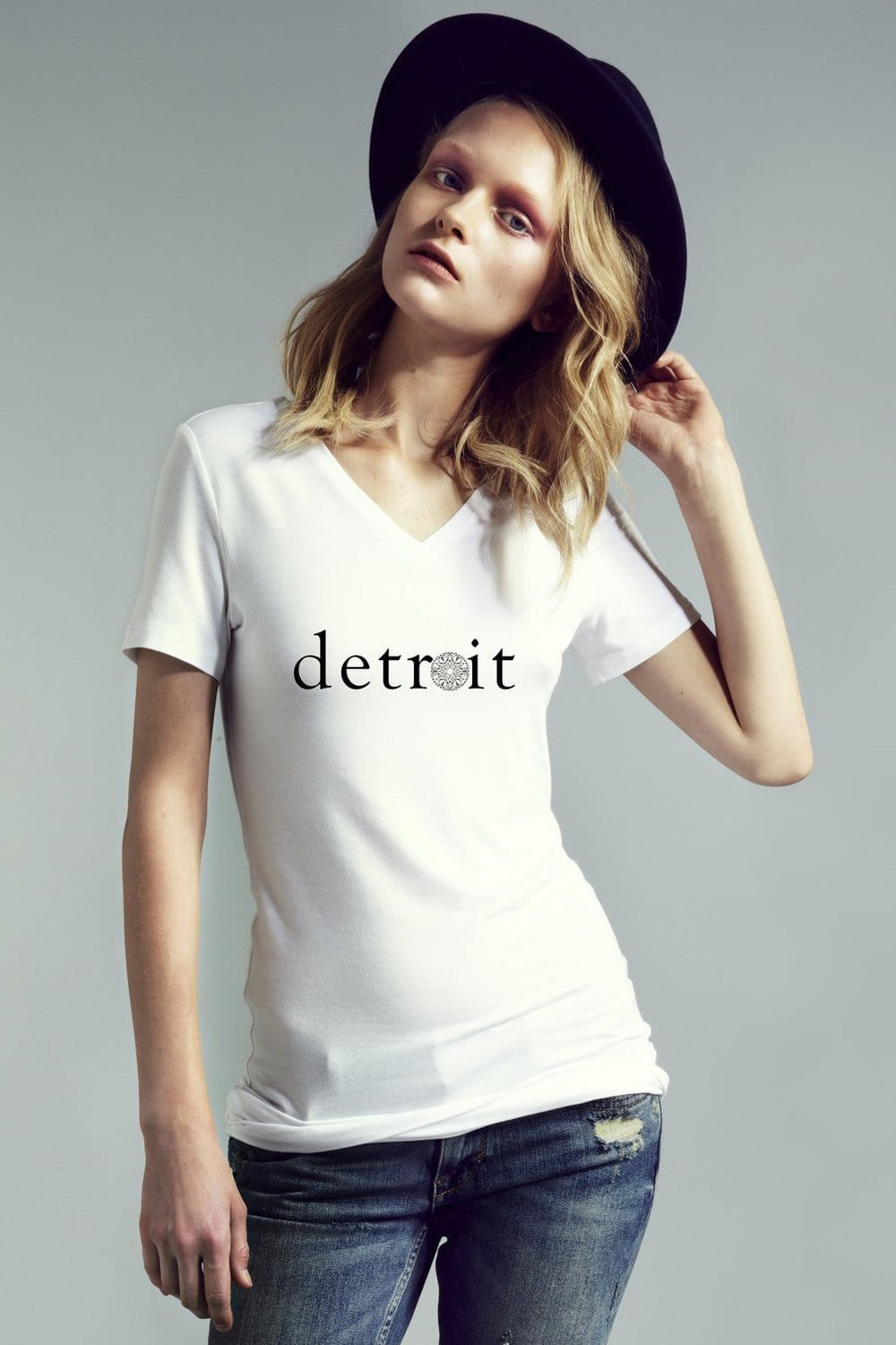The Detroit Short Sleeve Fitted V-Neck - Himelhoch's