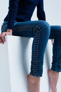 Q2 Boyfriend blue jeans with tacks detail