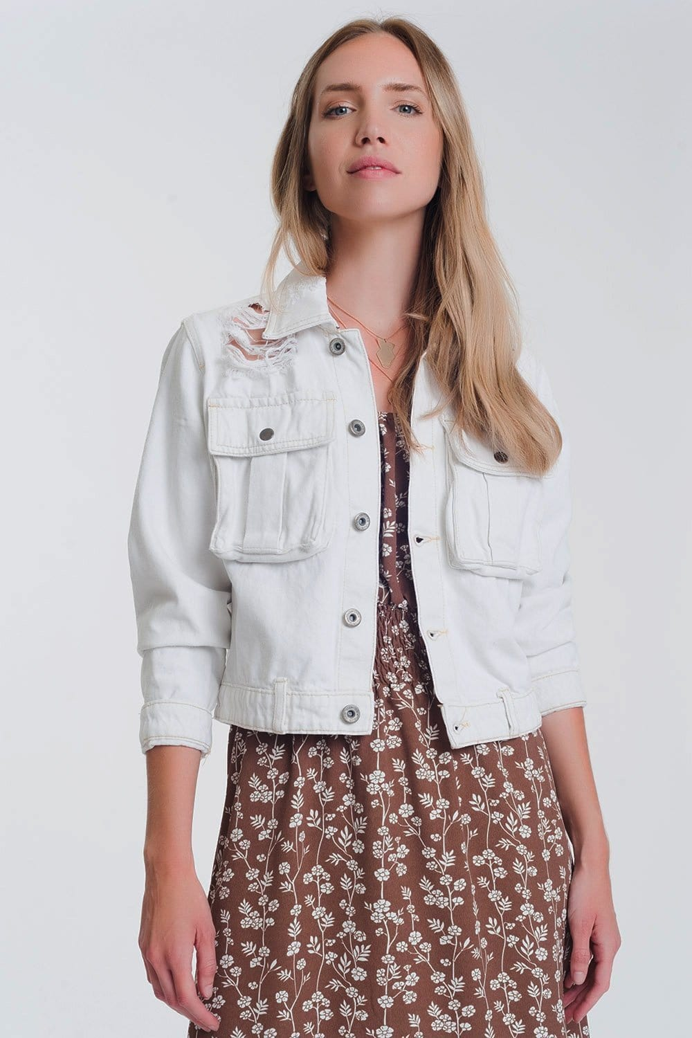 Q2 Cropped denim jacket in ecru