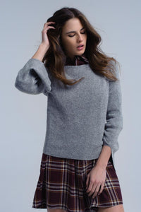 Q2 Gray shiny sweater