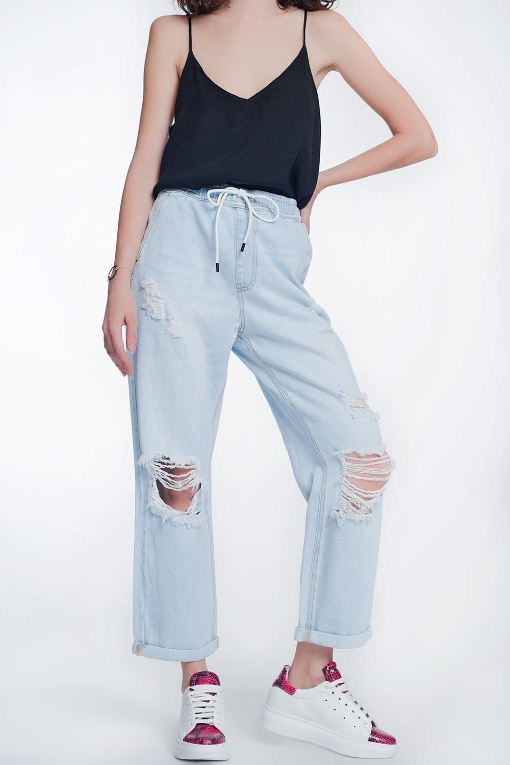 Q2 high rise straight crop jeans in lightwash blue