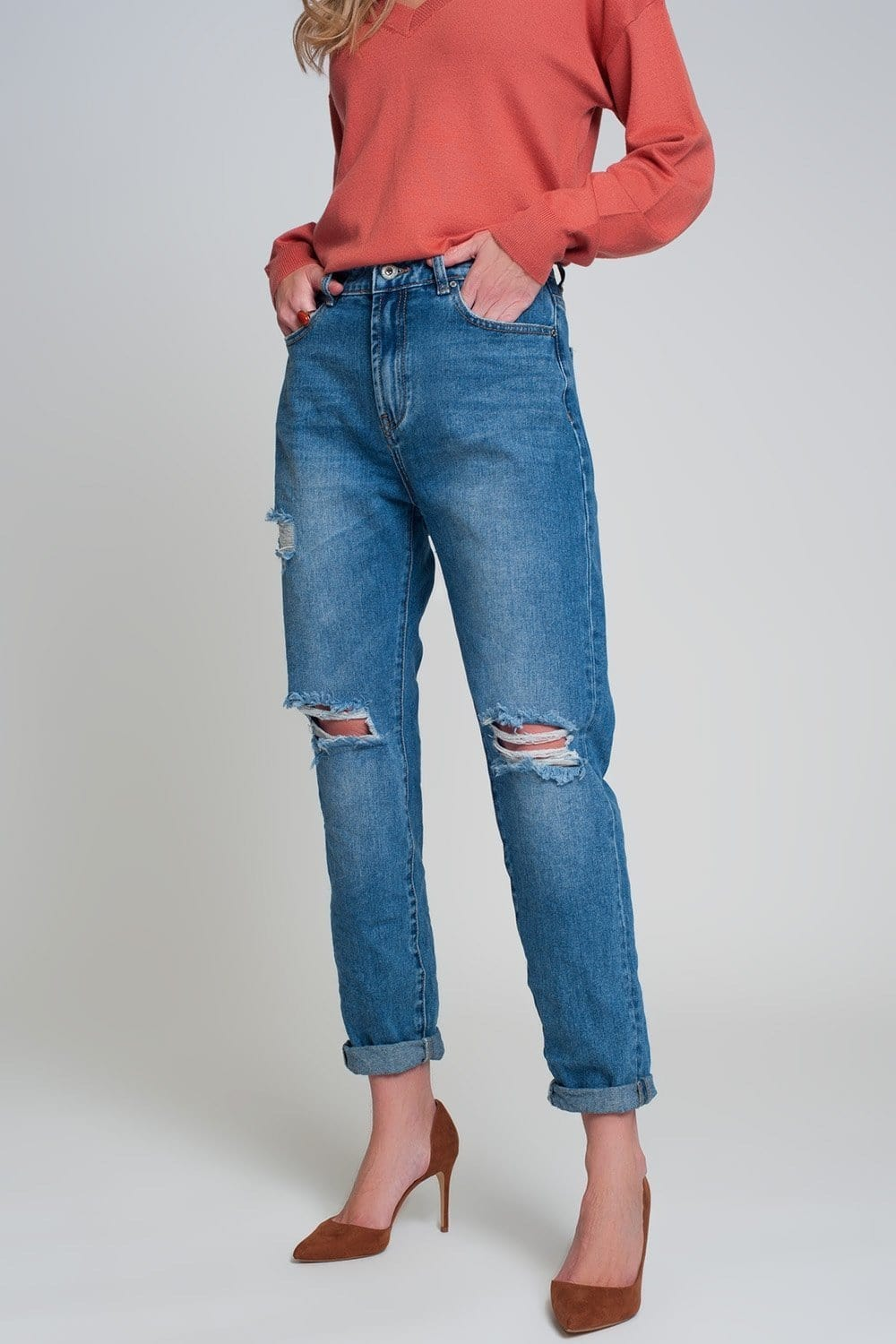 Q2 High waist mom jeans with ripped knees in dark wash blue
