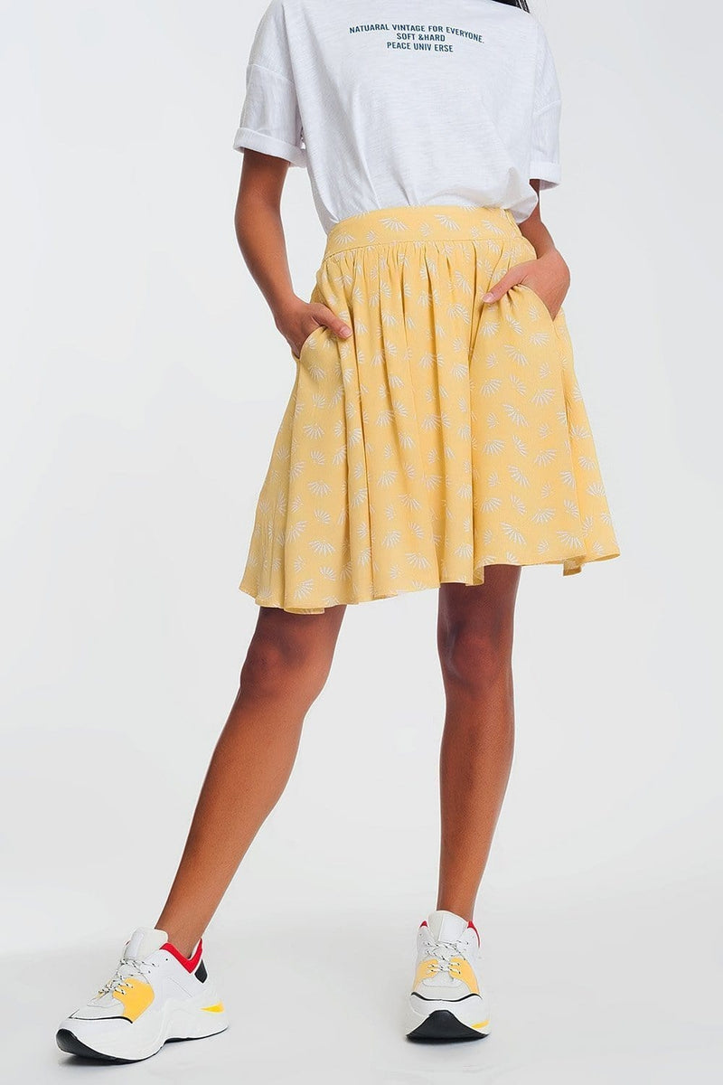 Q2 mini skirt in vintage floral print in yellow