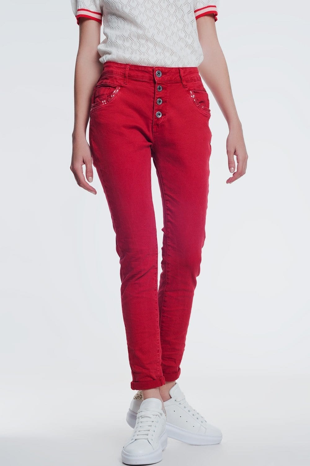Q2 red boyfriend jeans with button closure