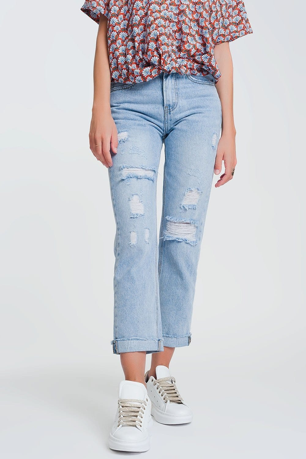 Q2 ripped straight fit jeans in light denim
