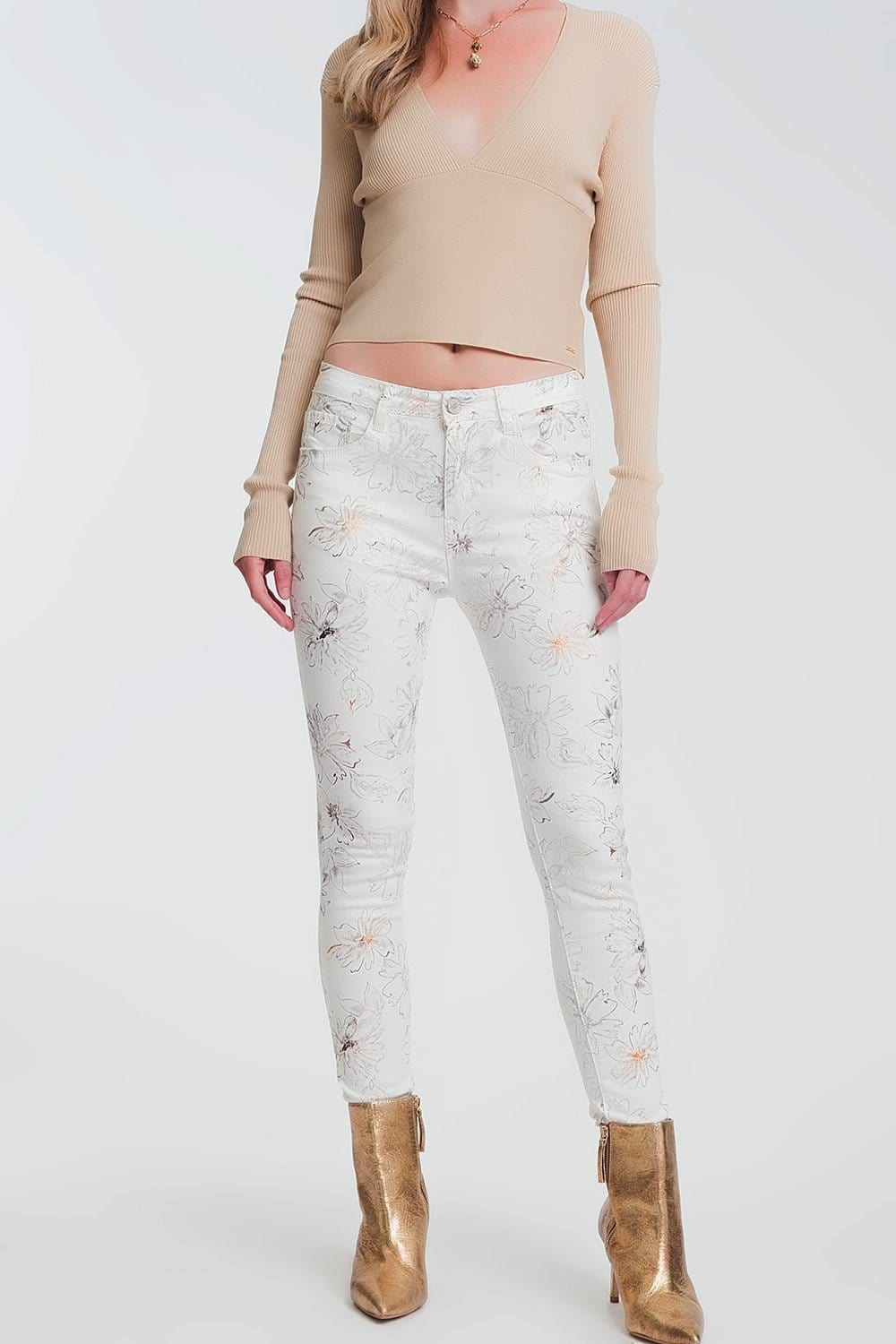 Q2 white skinny jeans with floral pattern
