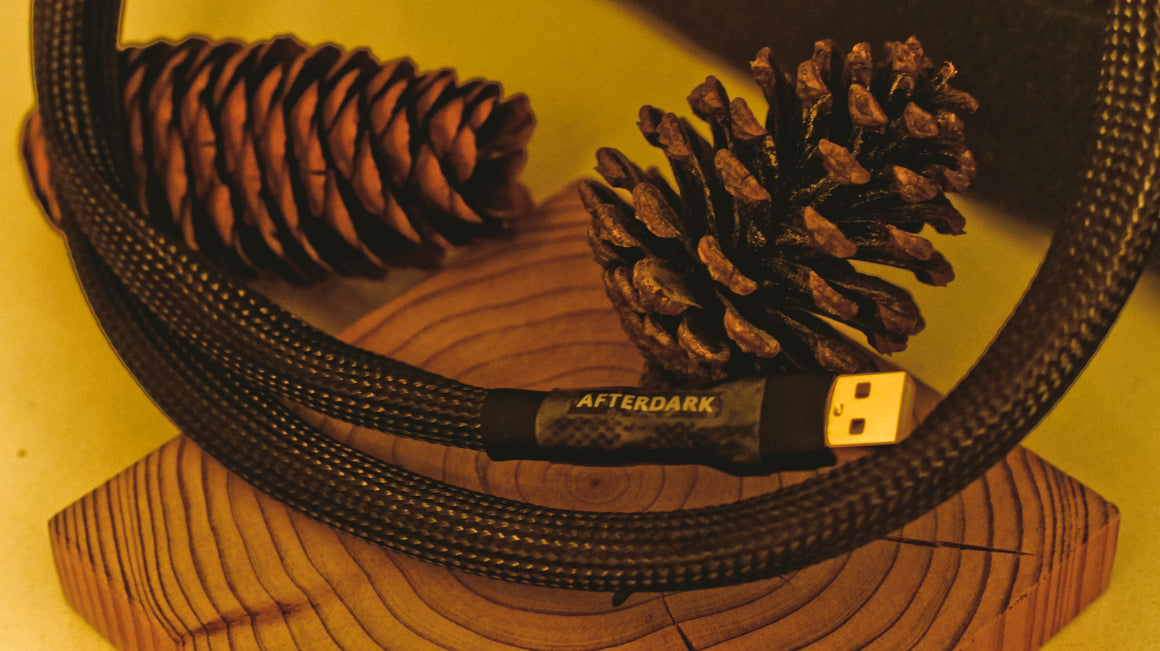 AfterDark. Black Lake USB Cable 碳纖維屏蔽USB數碼線