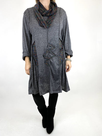 Lagenlook Rainbow Dot Scarf Top in Mid Grey. code 9504.