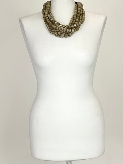 Lagenlook Crackle  bead short Necklace .code Rcj144.