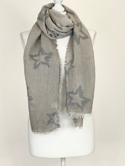 Lagenlook  Star Scarf in Grey. Code 1610-041.