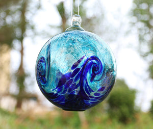 Artisan Crafts and Design 4.6-Inch Solar Hanging Glass Gazing Ball Outdoor Garden Décor Aqua-Blue Swirl