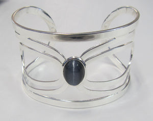 Beautiful handcrafted silver plated cuff bangle with precious stone