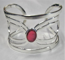 Load image into Gallery viewer, Beautiful handcrafted silver plated cuff bangle with precious stone