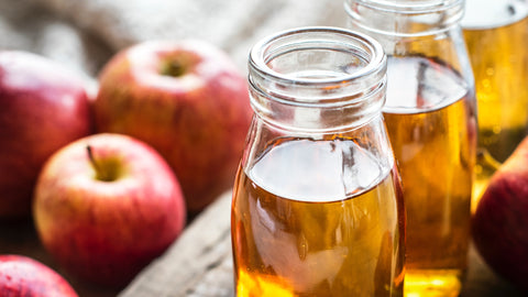 apple cider vinegar - home remedies for great hair