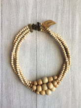 "Load image into Gallery viewer, Necklace 16"" Wood Beads"
