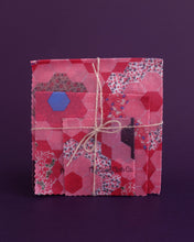 Load image into Gallery viewer, Beeswax Wraps and Bag - Starter Set B - Loop.