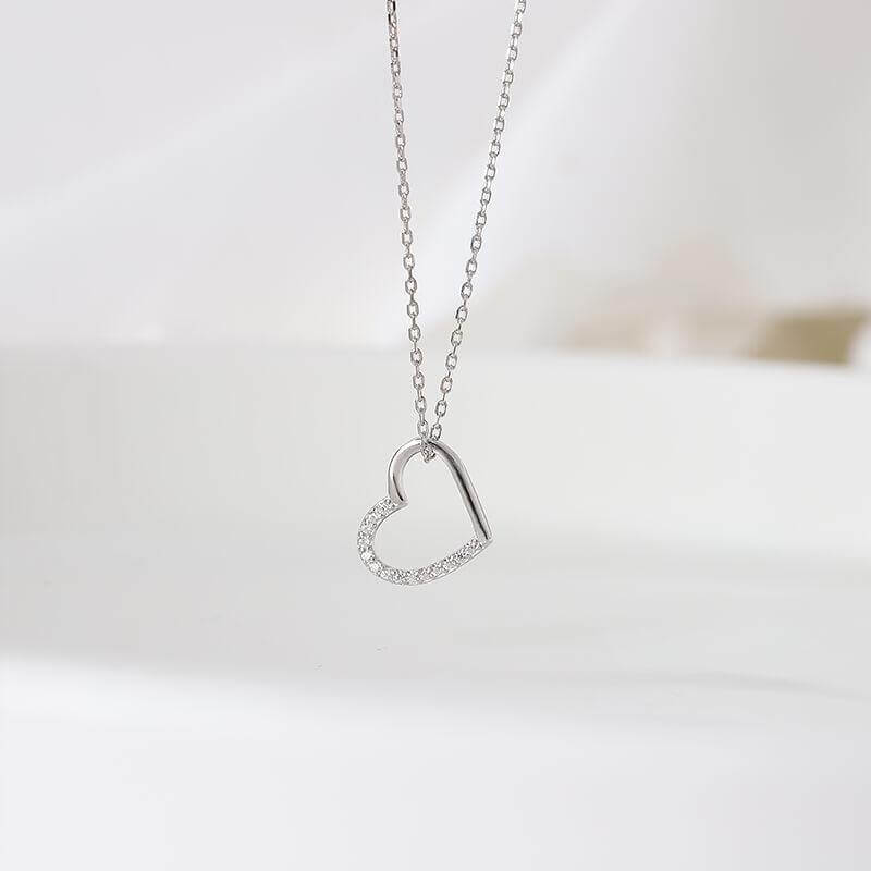 Hanging Heart Chain Necklace - Nona