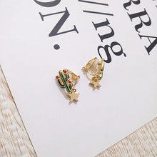 Load image into Gallery viewer, Cactus drop earrings with gold star embellishment