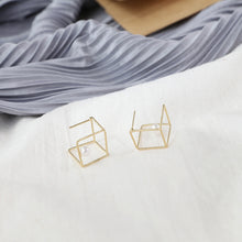 Load image into Gallery viewer, Cube stud earrings with pearls and sterling sliver pin