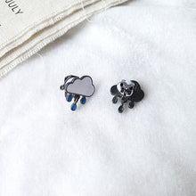 Load image into Gallery viewer, Raindrop stud earrings with sterling sliver