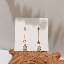 Load image into Gallery viewer, Star design drop earrings with resin stone