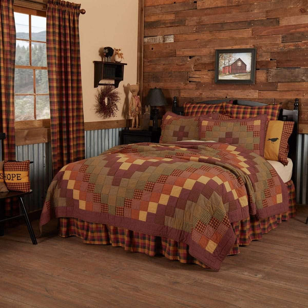 Heritage Farms California King Quilt 130Wx115L VHC Brands