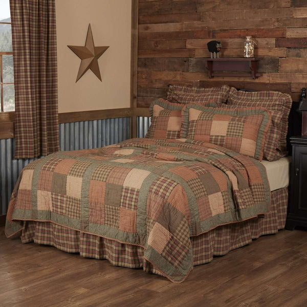 Crosswoods King Quilt 105Wx95L VHC Brands