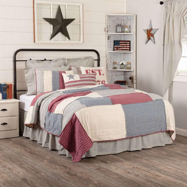 Hatteras Patch King Quilt 105Wx95L VHC Brands
