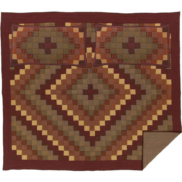 Heritage Farms California King Quilt Set; 1-Quilt 130Wx115L w/2 Shams 21x37 VHC Brands full