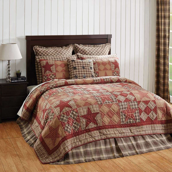 Dawson Star Luxury King Quilt 120Wx105L VHC Brands