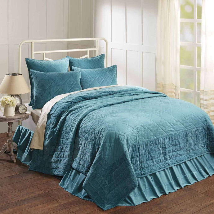 Eleanor Teal Queen Quilt 90Wx90L VHC Brands
