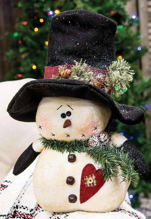 Chubby Top Hat Snowman With Heart