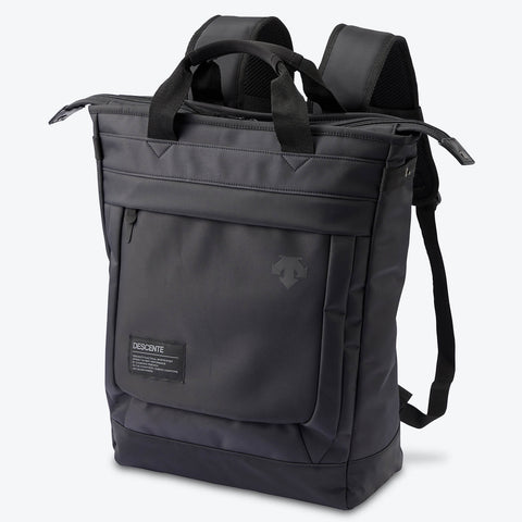 "{""color"":""Black"",""alt"":""Functional Two-Way Tote Front View in Black""}"