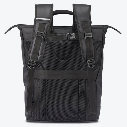 "{""color"":""Black"",""alt"":""Functional Two-Way Tote Back View in Black""}"