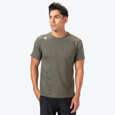 "{""caption"":""Model is 6'0\"", 31\"" Waist, Size Medium"",""color"":""Khaki"",""alt"":""Deodash Cotton Short Sleeve T-Shirt in Khaki on model front side""}"