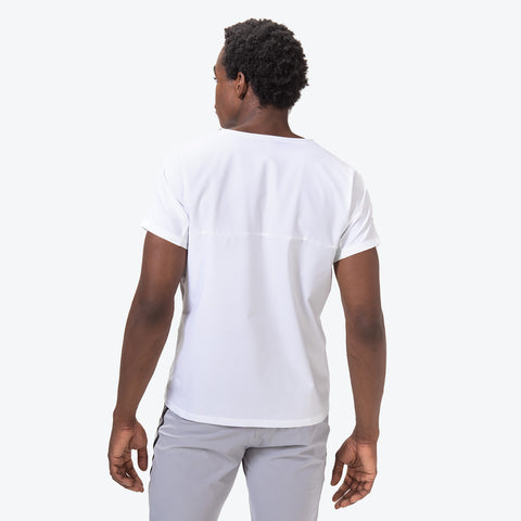 "{""caption"":""Model is 6'0\"", 32\"" Waist, Size Medium"",""color"":""White"",""alt"":""Hybrid Short Sleeve T-Shirt On Model Back View in White""}"