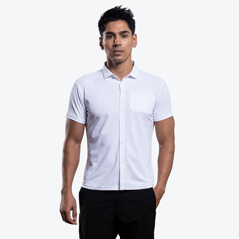 "{""caption"":""Model is 6'0\"", 31\"" Waist, Size Medium"",""color"":""White"",""alt"":""Men's UV Protection Button-Down Collar Shirt on model from the front in white""}"