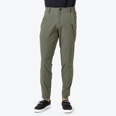 "{""caption"":""Model is 6'0\"", 31\"" Waist, Size Medium"",""color"":""Khaki"",""alt"":""Men's PT Zero Pants shown on model from the front in khaki""}"