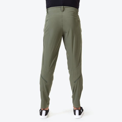 "{""caption"":""Model is 6'0\"", 31\"" Waist, Size Medium"",""color"":""Khaki"",""alt"":""Men's PT Zero Pants shown on model from the back in khaki""}"