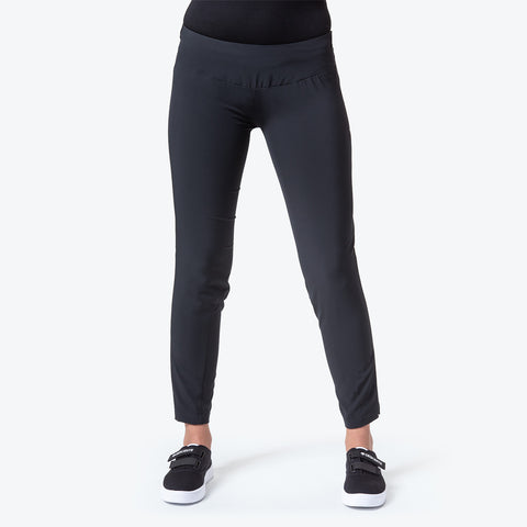 "{""caption"":""Model is 5'8\"", Size Small"",""color"":""Black"",""alt"":""Women's Zero Skinny Ankle Pants on model from front in black""}"