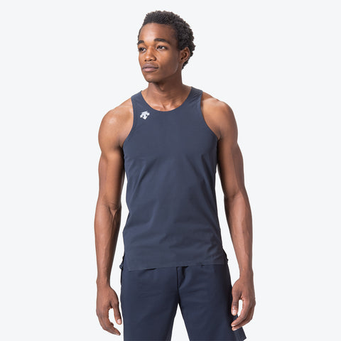 "{""caption"":""Model is 6'0\"", 32\"" Waist, Size Medium"",""color"":""Graphite Navy"",""alt"":""Men's Sleeveless Running Shirt shown on model from the front in graphite navy""}"