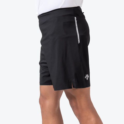 "{""caption"":""Model is 6'0\"", 31\"" Waist, Size Medium"",""color"":""Black"",""alt"":""Men's Stealth Running Shorts on model from side in black""}"