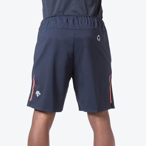 "{""caption"":""Model is 6'0\"", 32\"" Waist, Size Medium"",""color"":""Graphite Navy"",""alt"":""Men's Utility Training Shorts on model from the back in graphite navy""}"