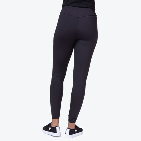 "{""caption"":""Model is 5'9\"", Pants Size 4, Wearing A Size Small"",""color"":""Black"",""alt"":""Luxe Sport Leggings in Black, Back View On Model""}"