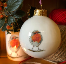Load image into Gallery viewer, Bone China Christmas Bauble - Robin