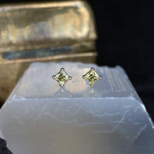 Load image into Gallery viewer, Lemon Square Sapphire Studs