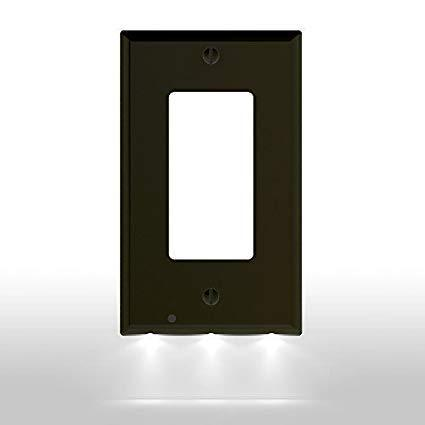OUTLET WALL PLATE WITH LED NIGHT LIGHTS-NO BATTERIES OR WIRES [UL FCC CSA CERTIFIED] - kumdv