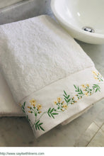 Load image into Gallery viewer, customized bath towel set embroidered with jasmine flowels